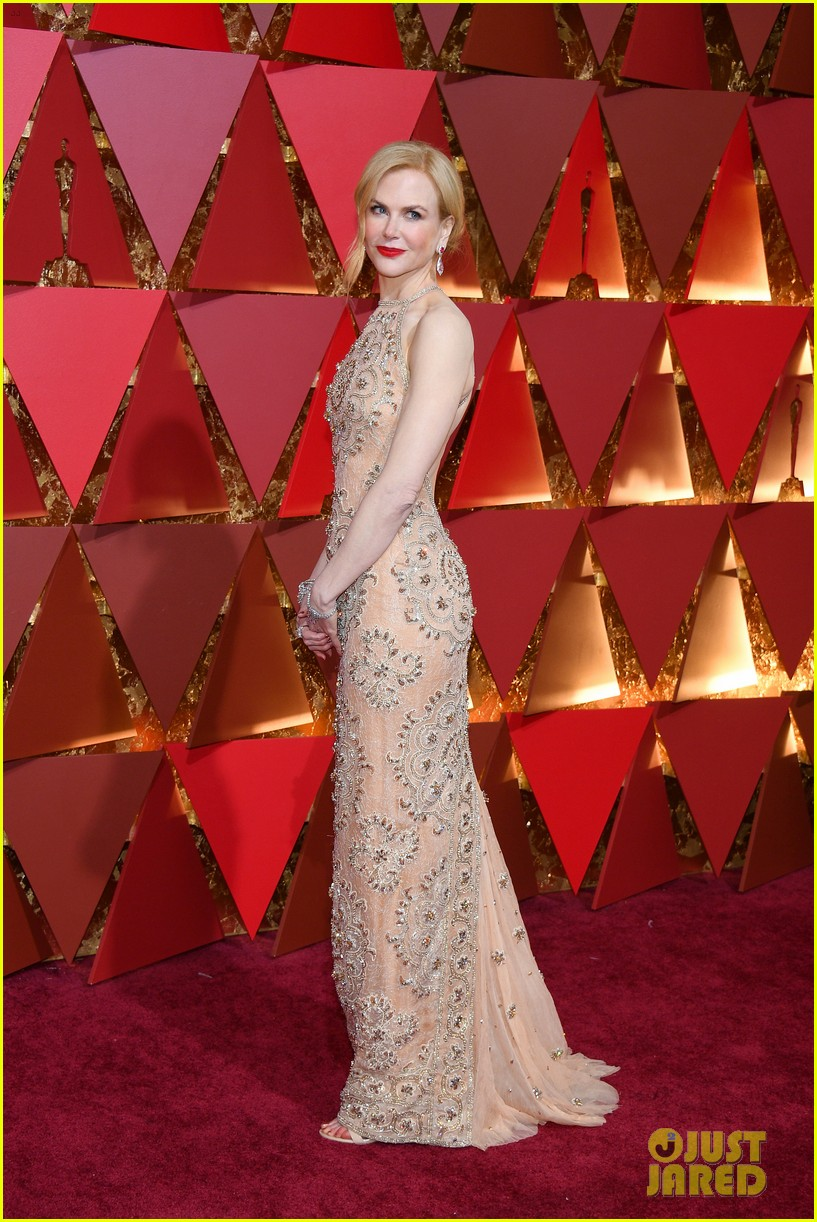 How Nicole Kidmans dress tore during the Oscars   Daily