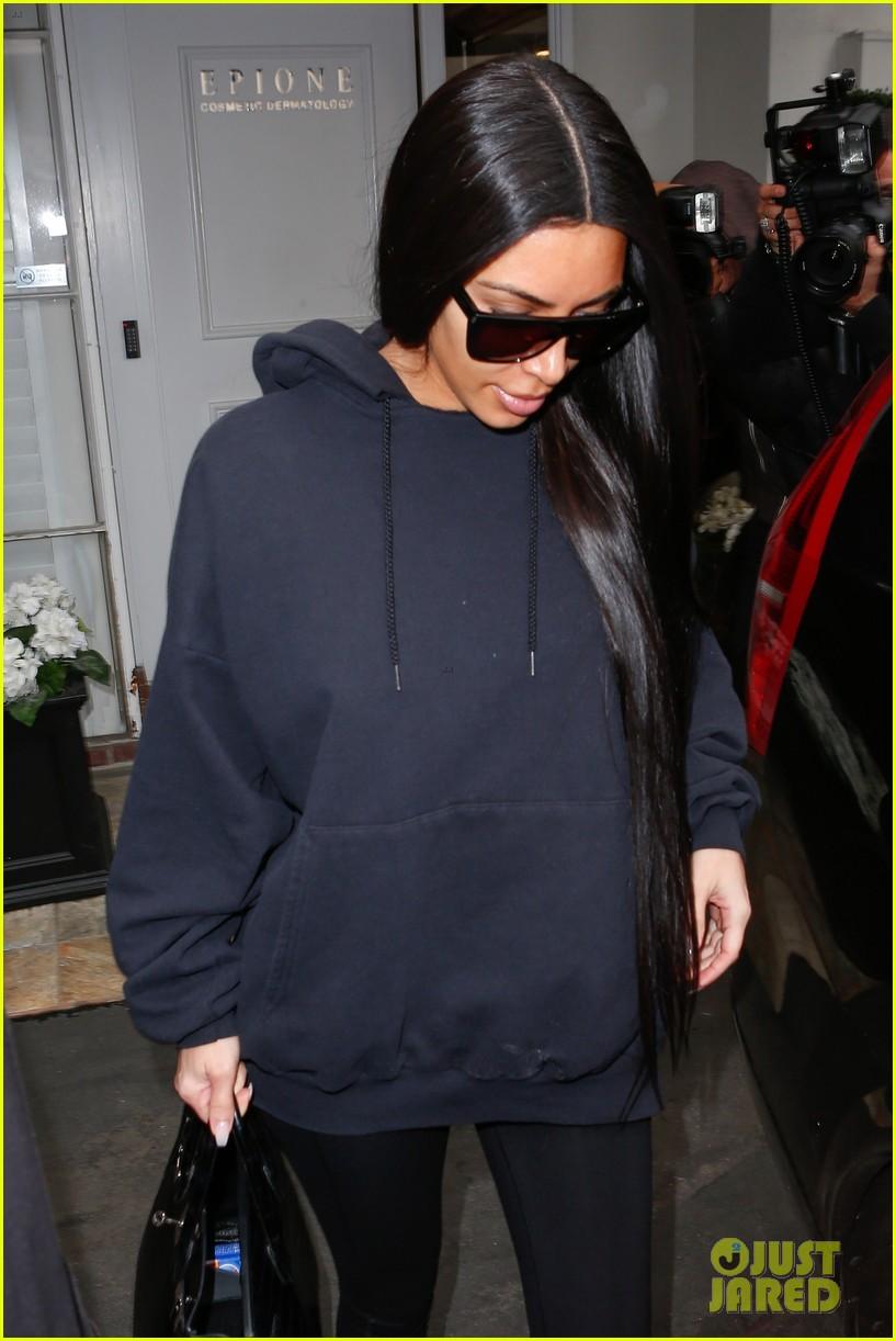 kim kardashian skin stretch marks doctor 023862596
