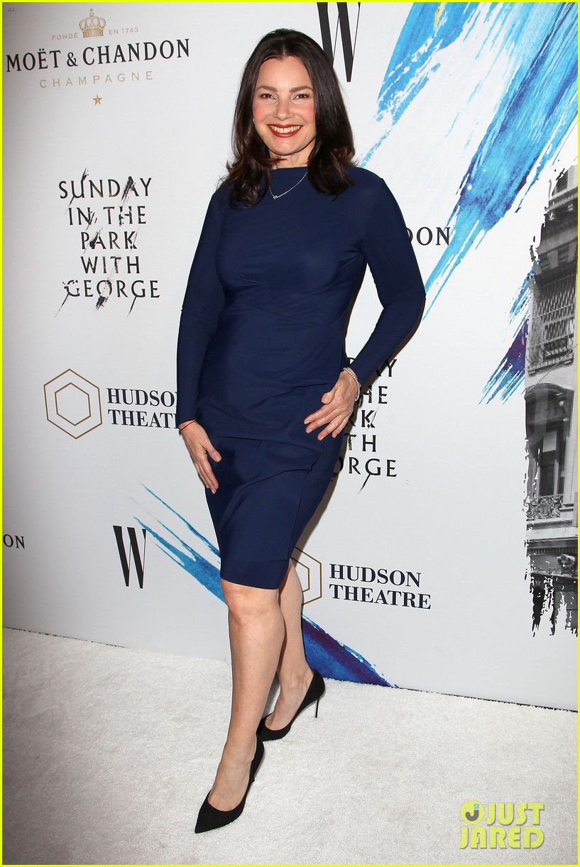 maggie gyllenhaal supports brother jake at sunday opening on broadway 063864695