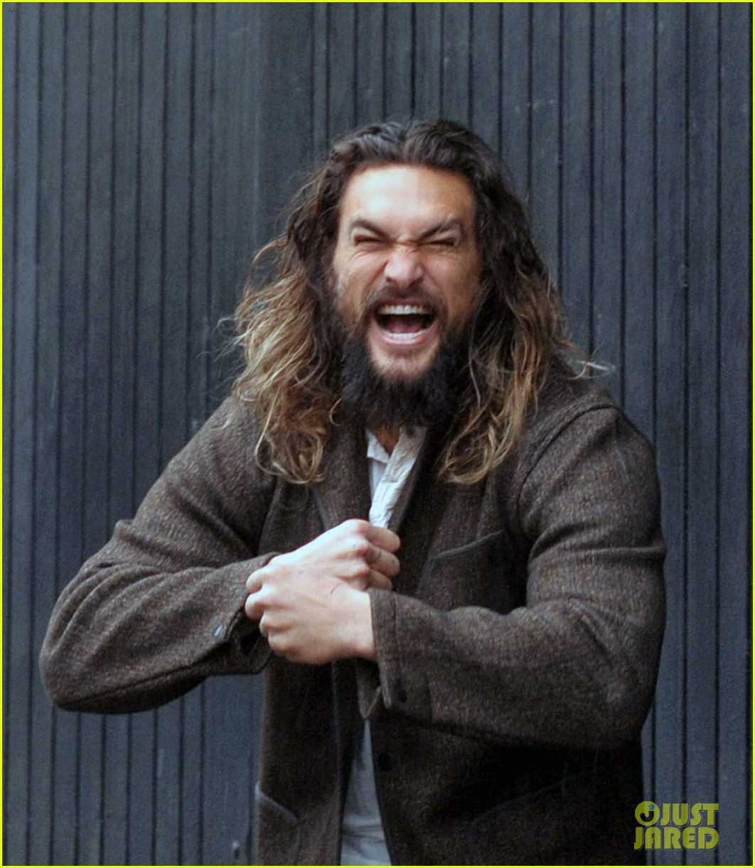 Jason Momoa Guinness: Jason Momoa Hangs Out At The Guinness Brewery In Ireland
