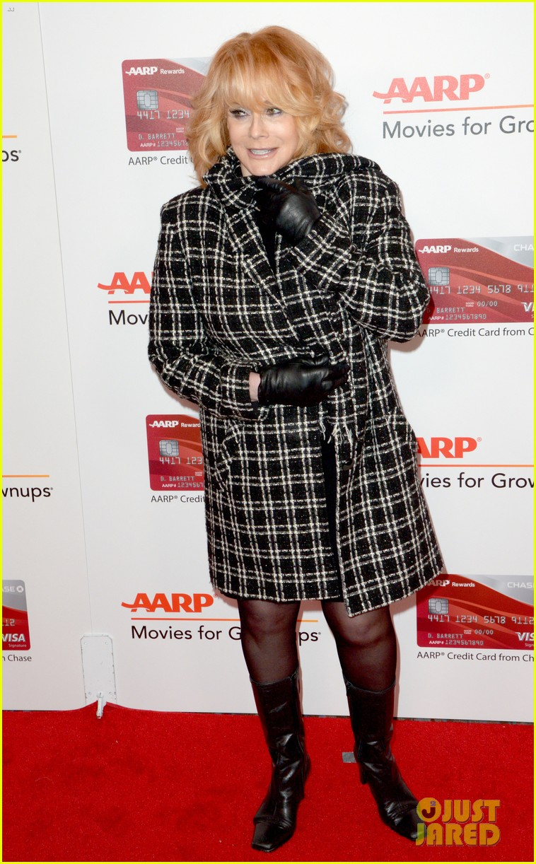 ruth neggas loving isabelle hupperts elle win big at aarps movies for grownups awards 063854685