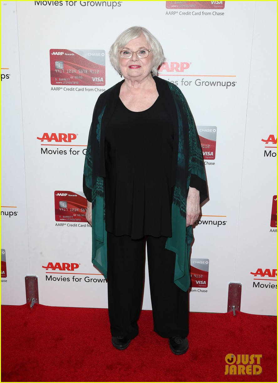 ruth neggas loving isabelle hupperts elle win big at aarps movies for grownups awards 173854696