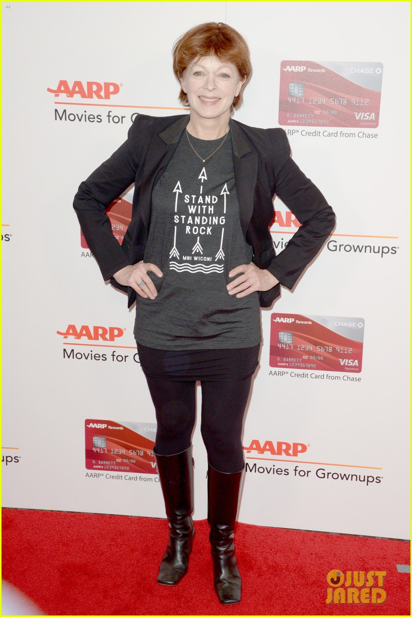 ruth neggas loving isabelle hupperts elle win big at aarps movies for grownups awards 493854728