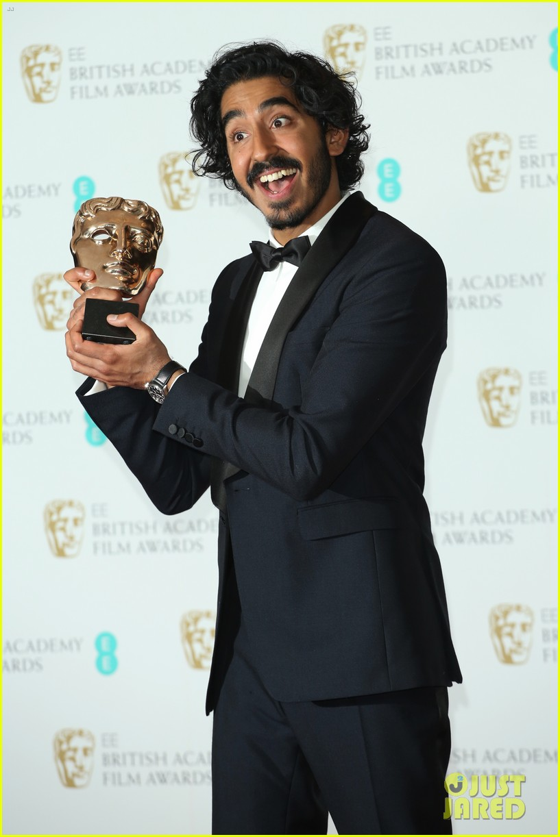 dev patel wins best supporting actor baftas 2017 033857932