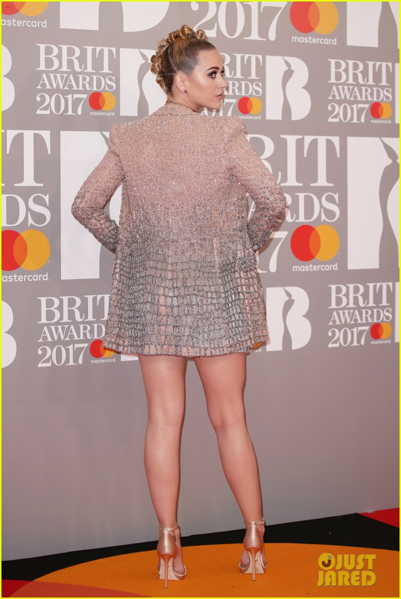 katy perry brit awards 2017 red carpet 043863922