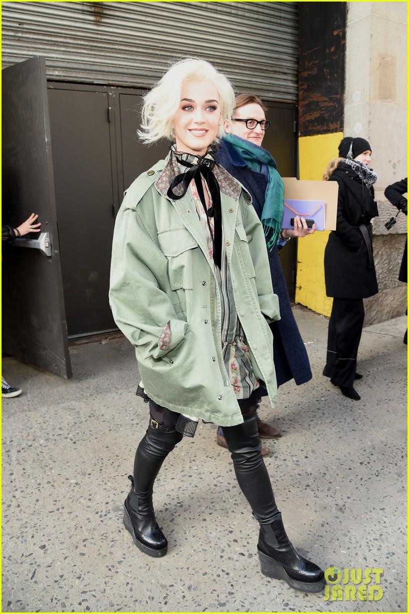 katy perry marc jacobs fashion show 213861478