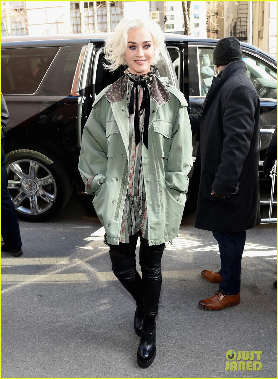 katy perry marc jacobs fashion show 223861479