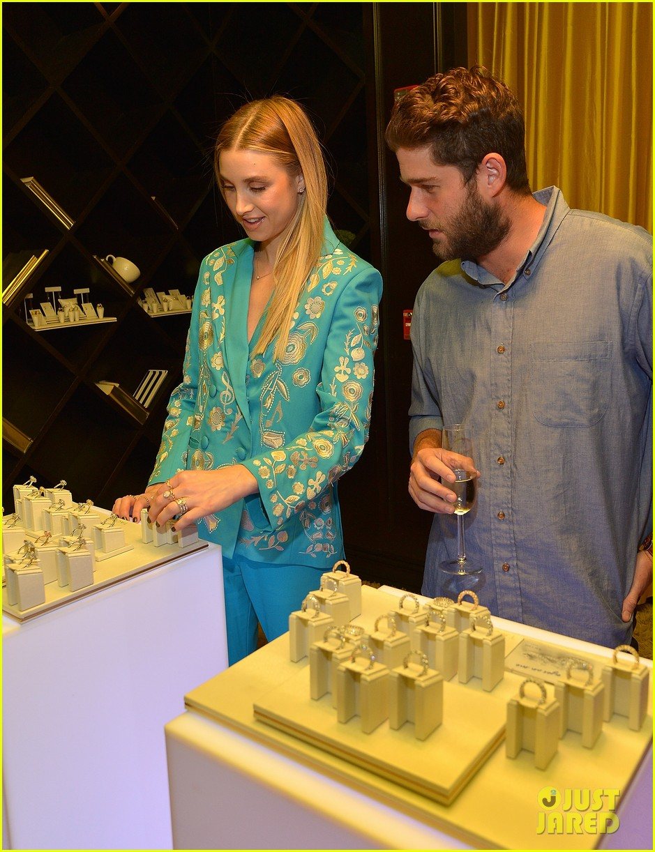 whitney port is pregnant see her baby bump photo 053856226