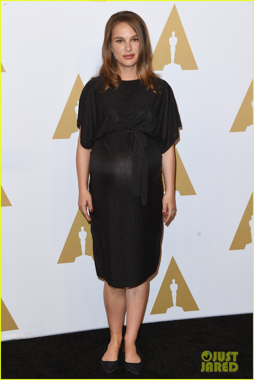 natalie portman awards season pregnancy style 033865617