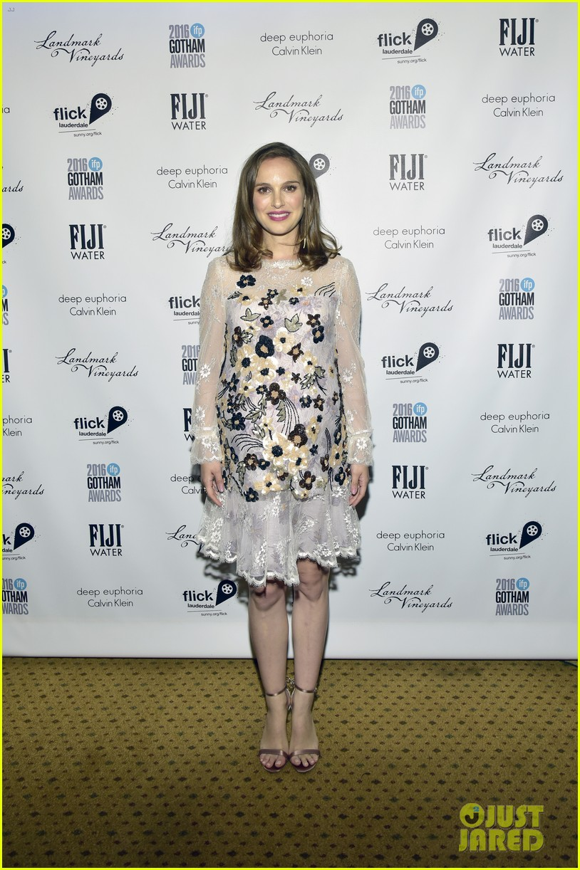 e3b0b6bed8 Natalie Portman Will Not Attend Oscars 2017 Due to Pregnancy  Photo ...