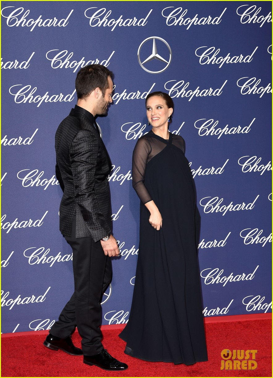natalie portman awards season pregnancy style 183865632