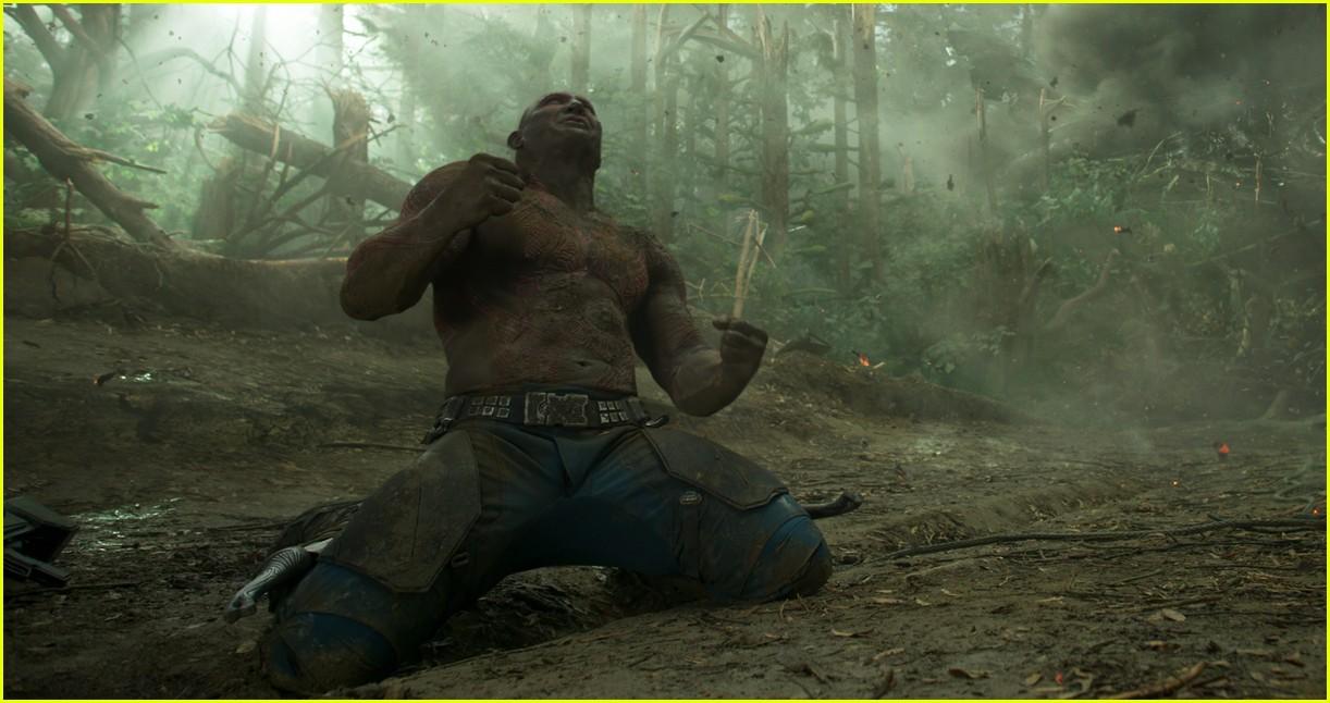 Chris Pratt Is Shirtless in Latest 'Guardians' Trailer ...
