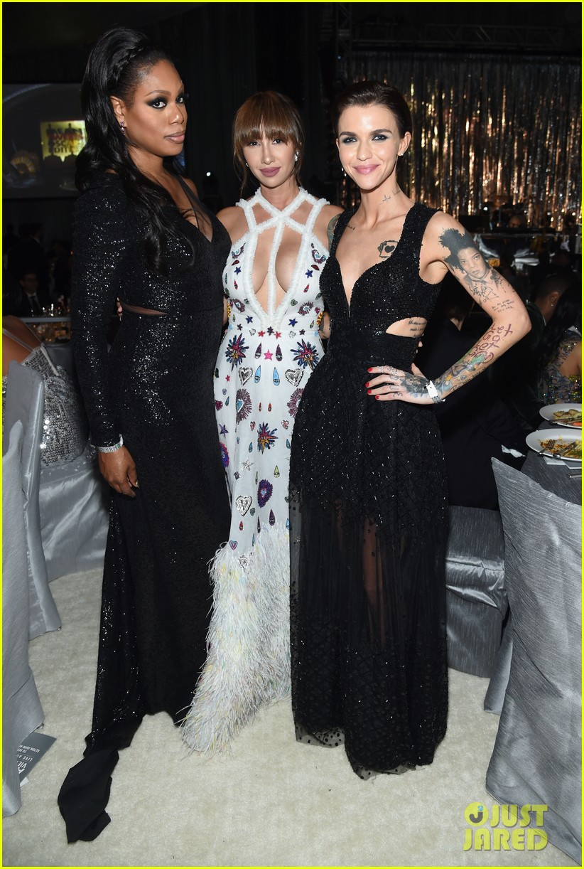 ruby rose reunites with orange is the new black co stars at elton johns oscars 123867543