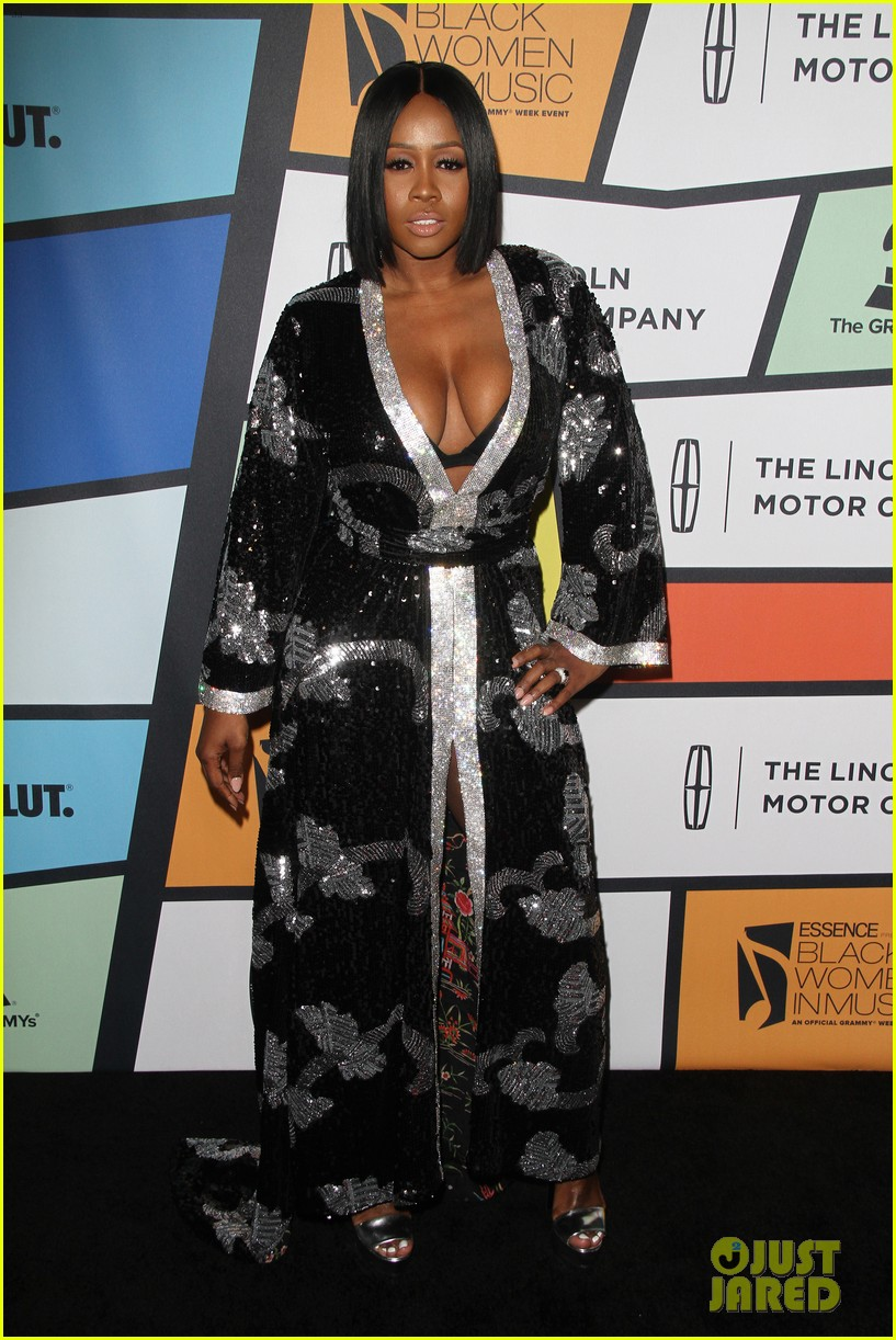 solange knowles honors erykah badu at essence black women in music bash 153856627