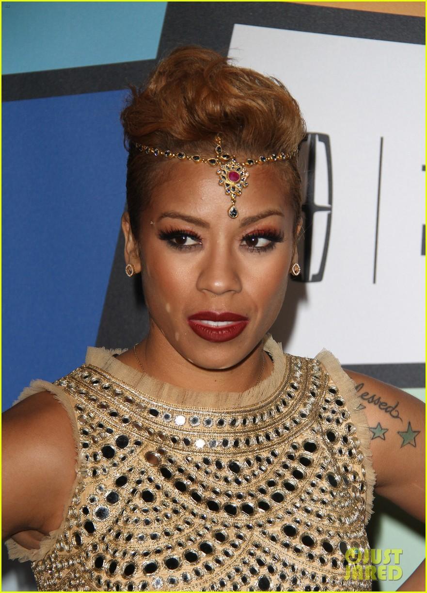 solange knowles honors erykah badu at essence black women in music bash 373856649