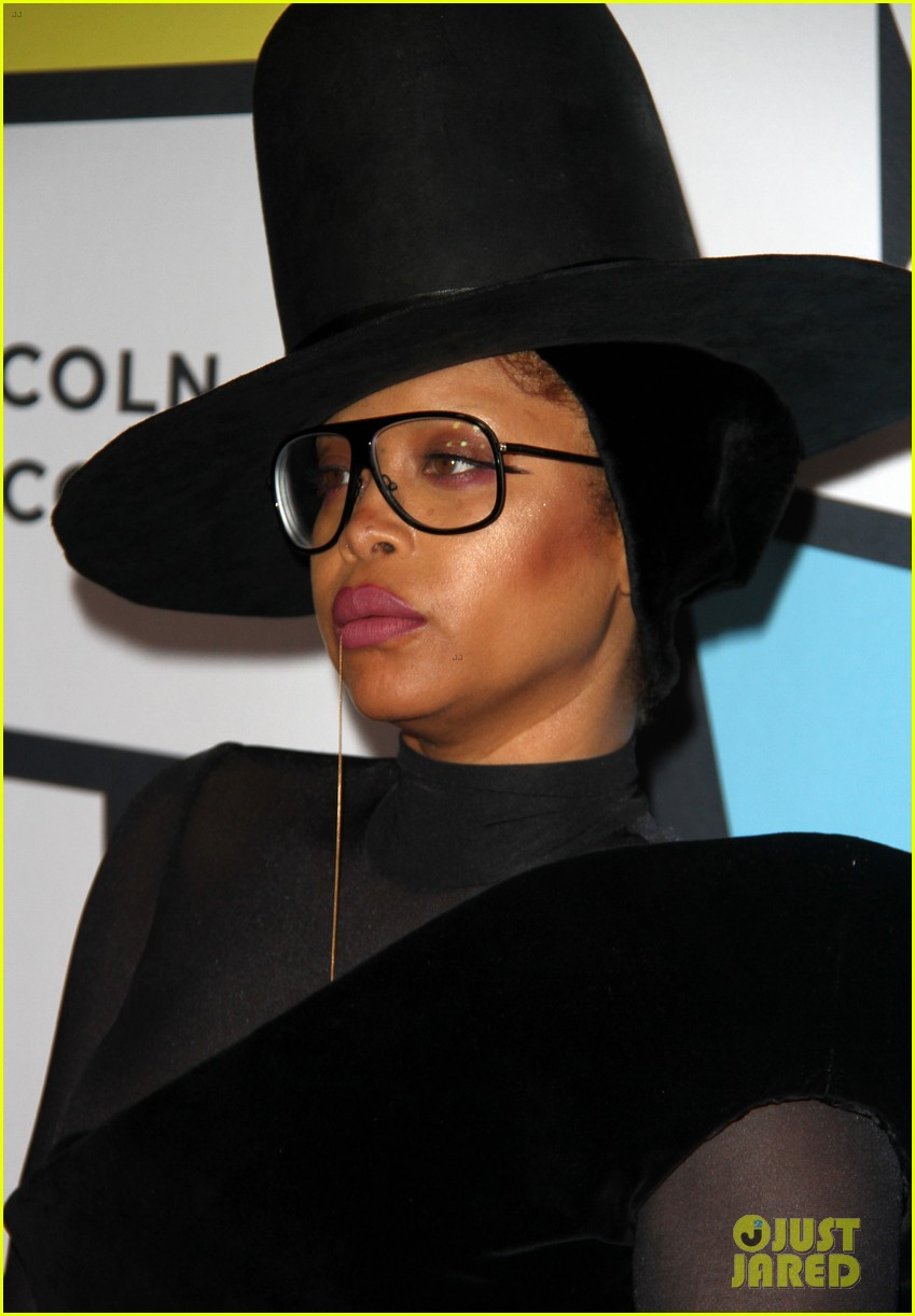solange knowles honors erykah badu at essence black women in music bash 443856656