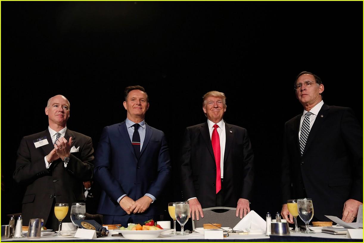 Donald Trump Slams 'Celebrity Apprentice' Ratings Again, Arnold ...