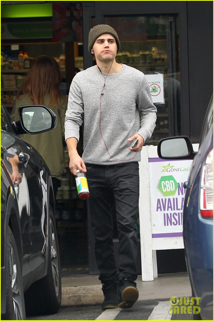 paul wesley steps out after wrapping final season vampire diaries 033858059