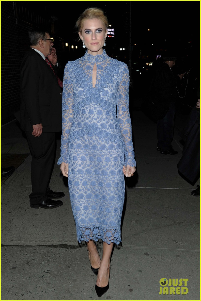 Allison Williams & Kate Upton Step Out in Style in NYC: Photo ...