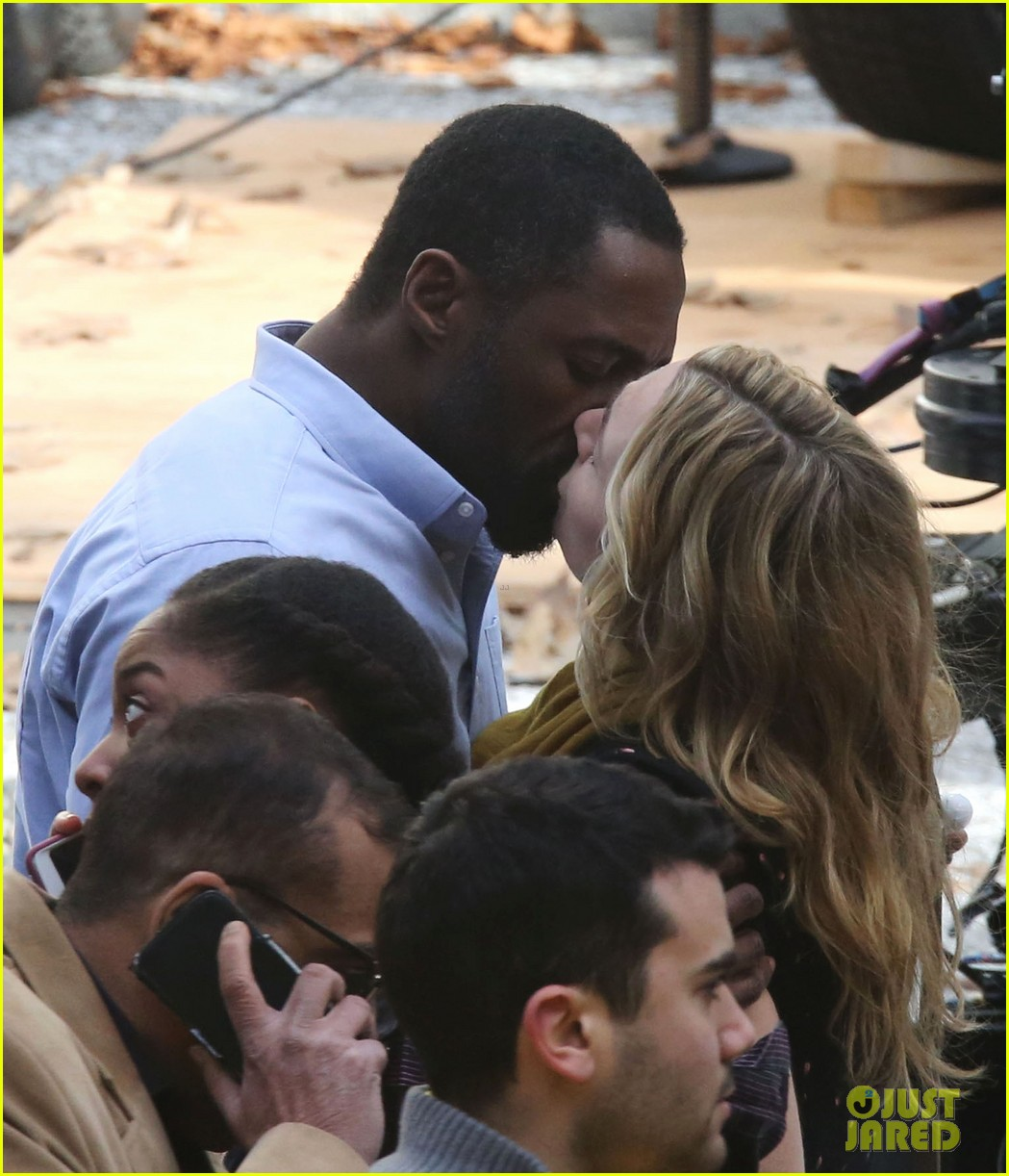 kate winslet idris elba kiss on set 063863326