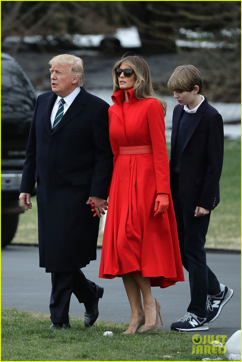 Barron Trump Visits His Father At The White House Photo