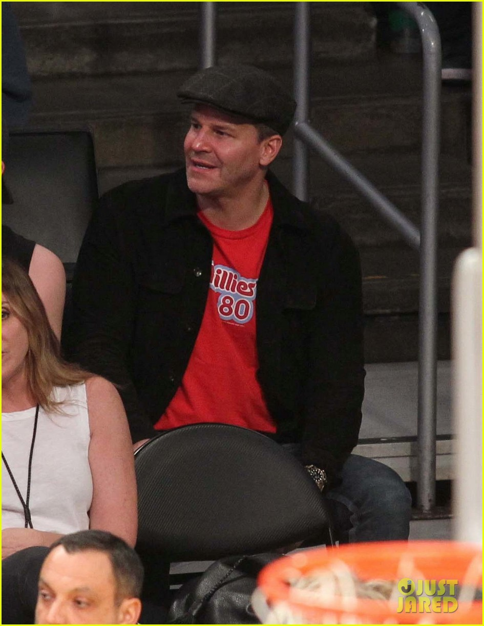 david boreanaz takes his son jaden to 76ers game 023873304