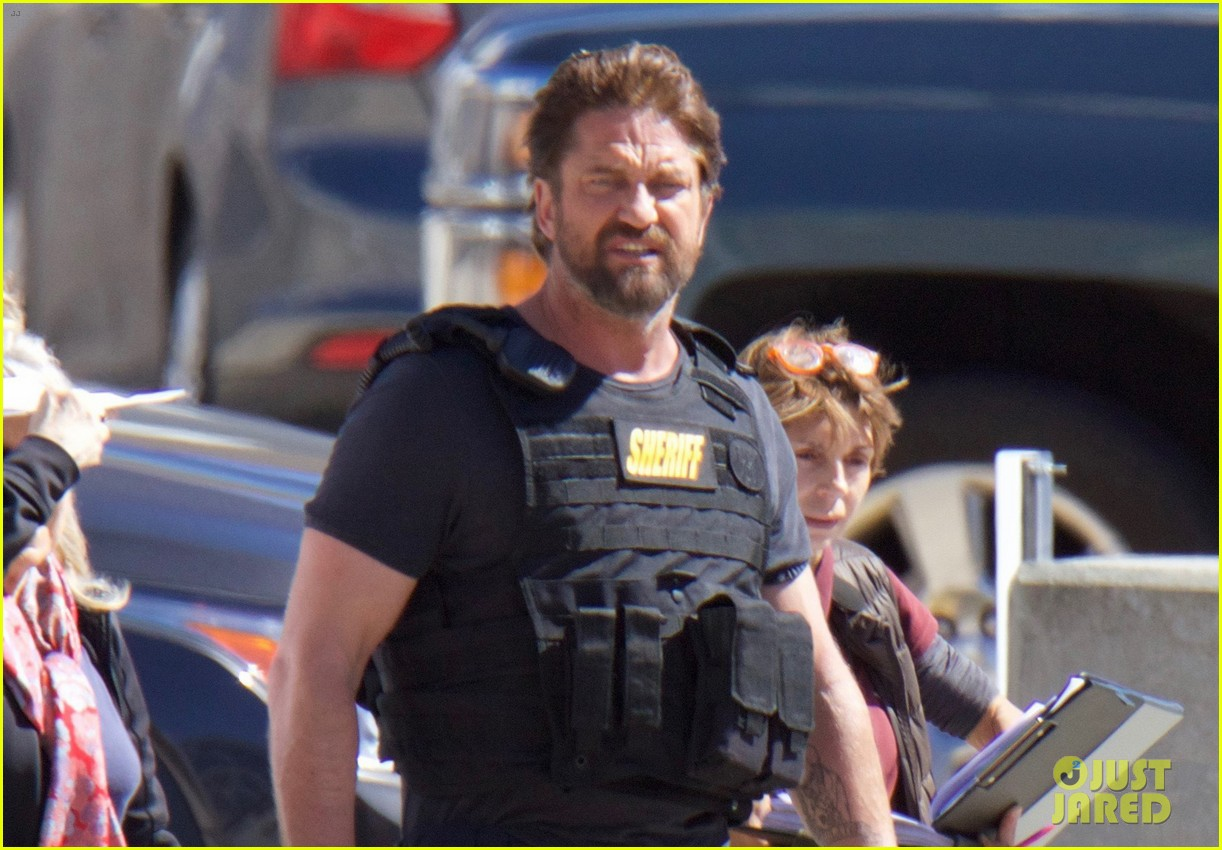 gerard butler films movie den of thieves 053871872