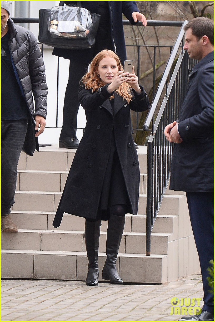 jessica chastain visits zoo in warsaw zookeepers wife tour 053871141