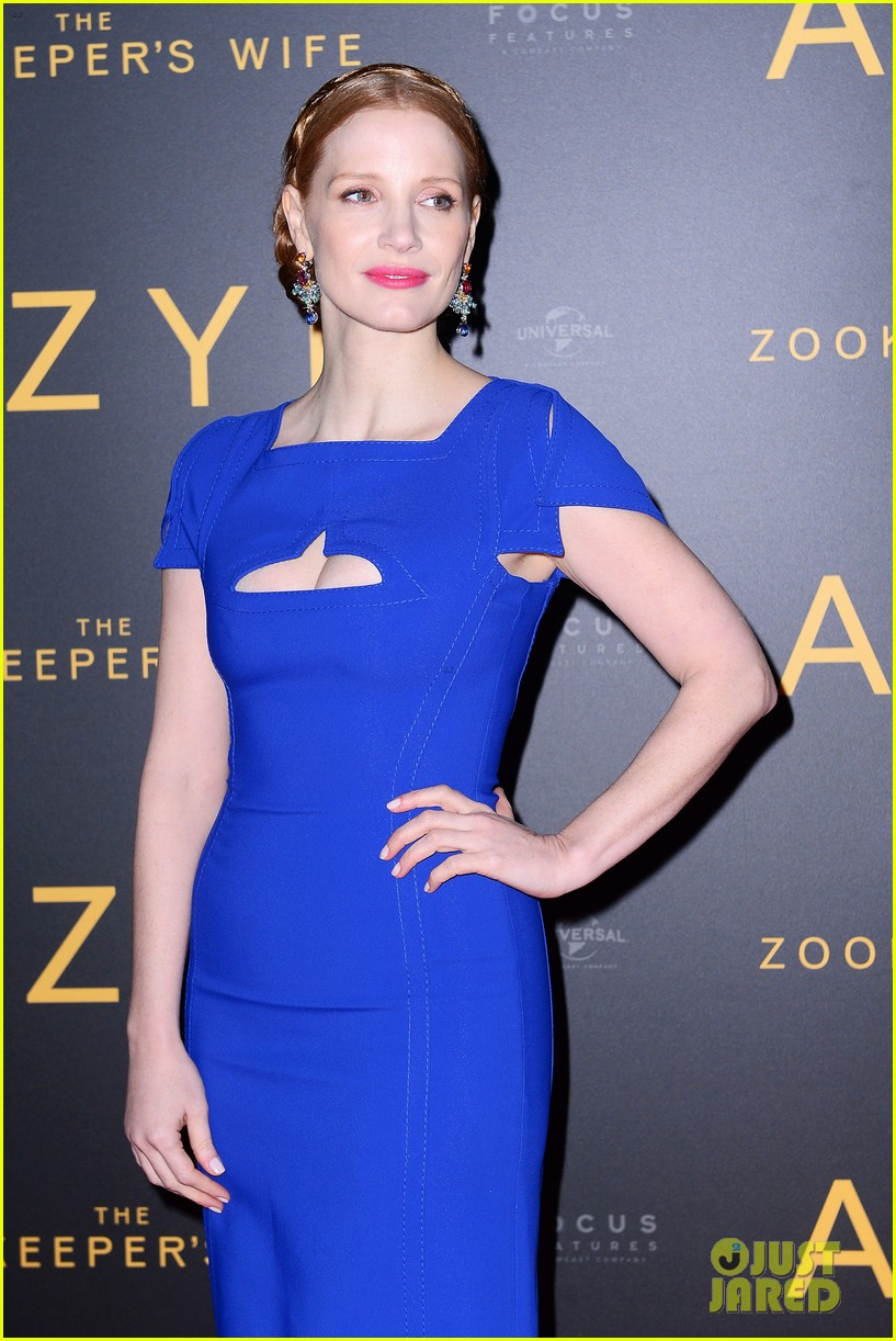jessica chastain visits zoo in warsaw zookeepers wife tour 083871144