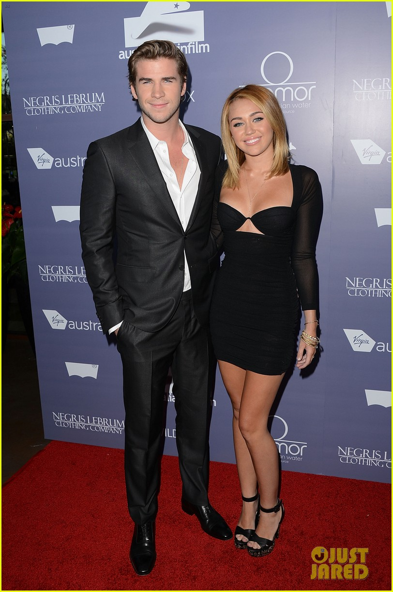 are miley cyrus and liam hemsworth married dad billy ray posts photo 043872295