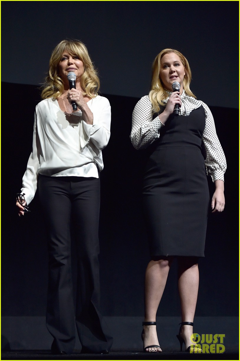 amy goldie share new clip of snatched at cinemacon 083880280