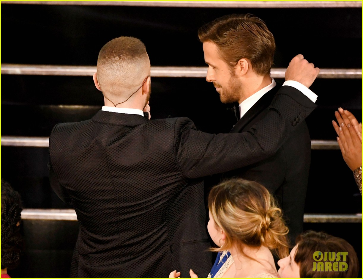 ryan gosling and justin timberlake had a mickey mouse club reunion at oscars 2017 023869675