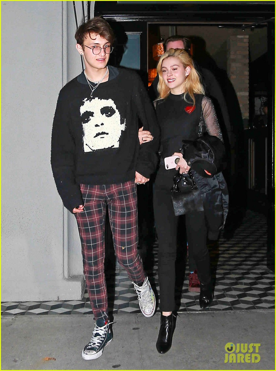 nanwar hadid enjoys bae time with nicola peltz 053871189