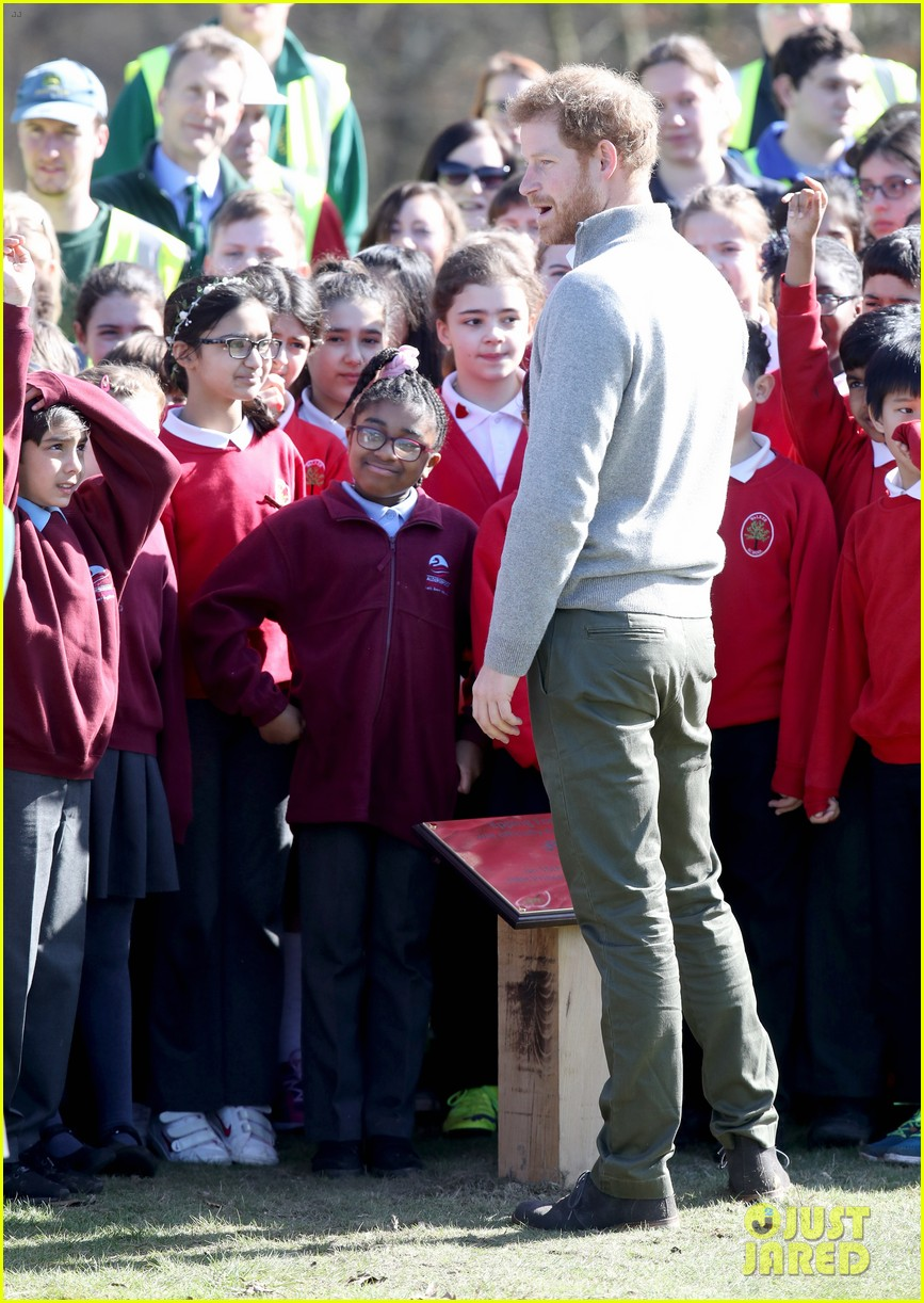 prince harry gets in touch with nature at epping forest 043874277