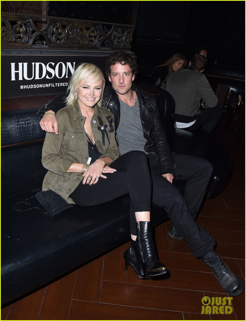 luke hemsworth malin akerman more live it up with hudson for red hot chili 163871438