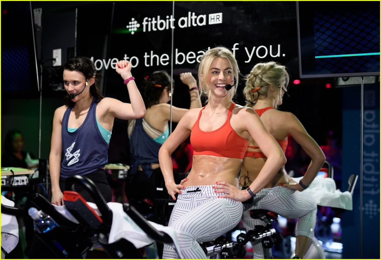 julianne hough refuses to lose weight for her wedding i dont want to look different 023870702