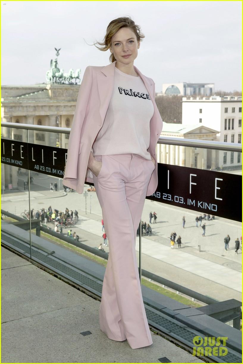 jake gyllenhaal rebecca ferguson bring life to berlin 053873760