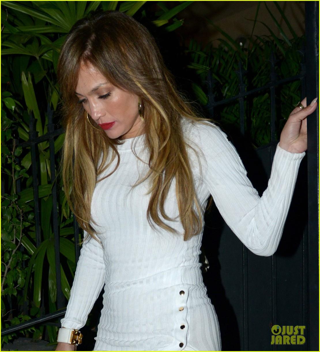 jennifer lopez form fitting dress date night alex rodriguez 023875179