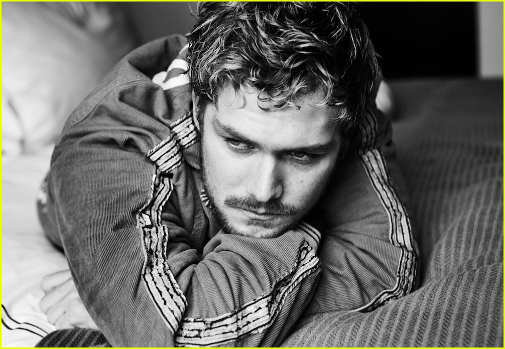 finn jones talks relating to troubled hero iron fist and mad mad trip on game of thrones 013874948