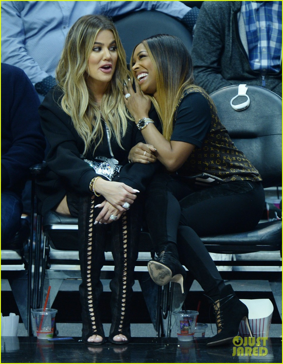 khloe kardashian supports boyfriend tristan thompson at game against la clippers 033875938