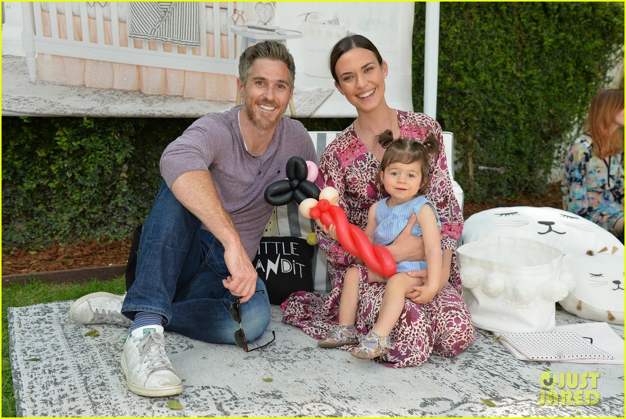 jaime king odette annable make it a family affair at emily meritt 033873293