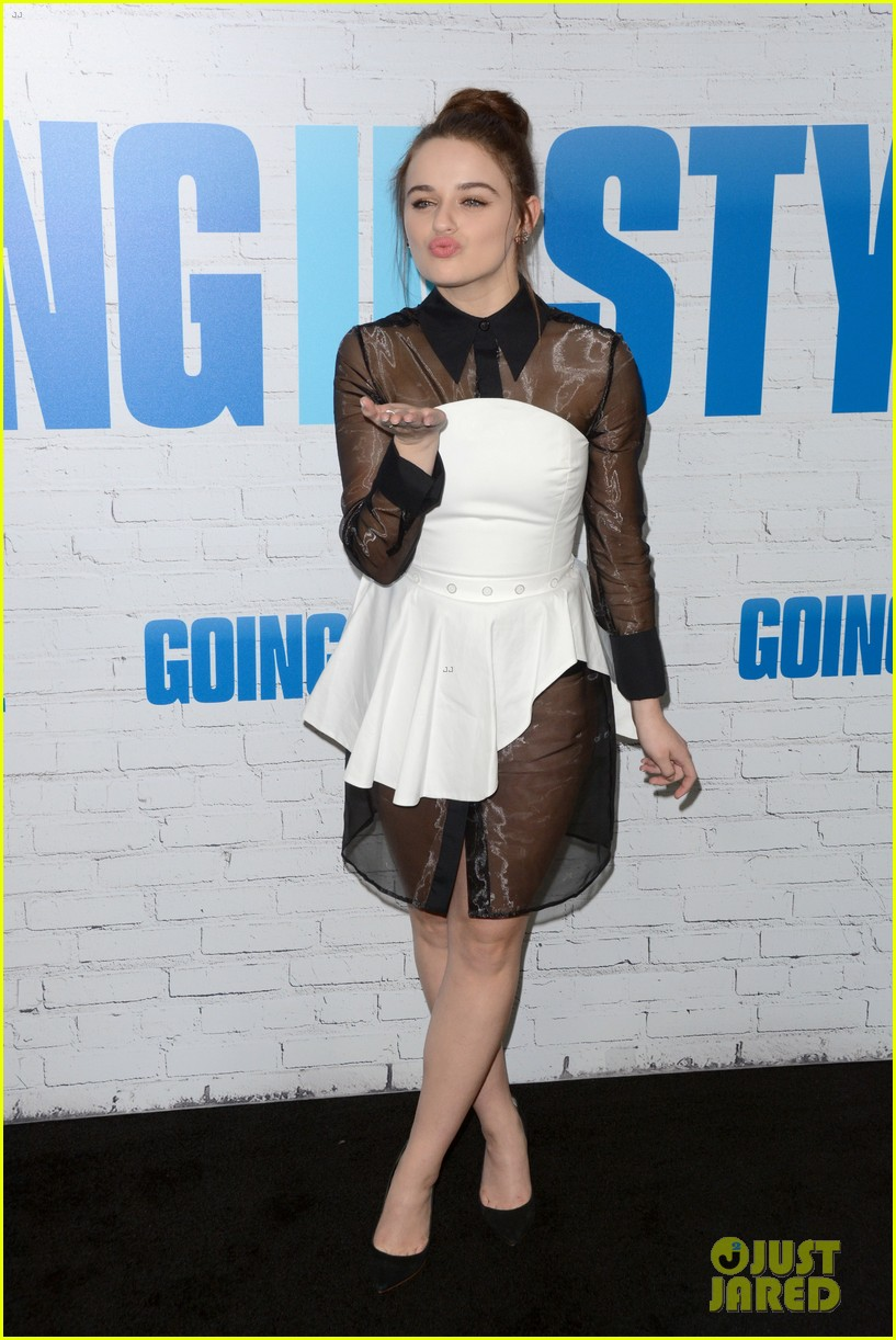 joey king going in style premiere 023880403