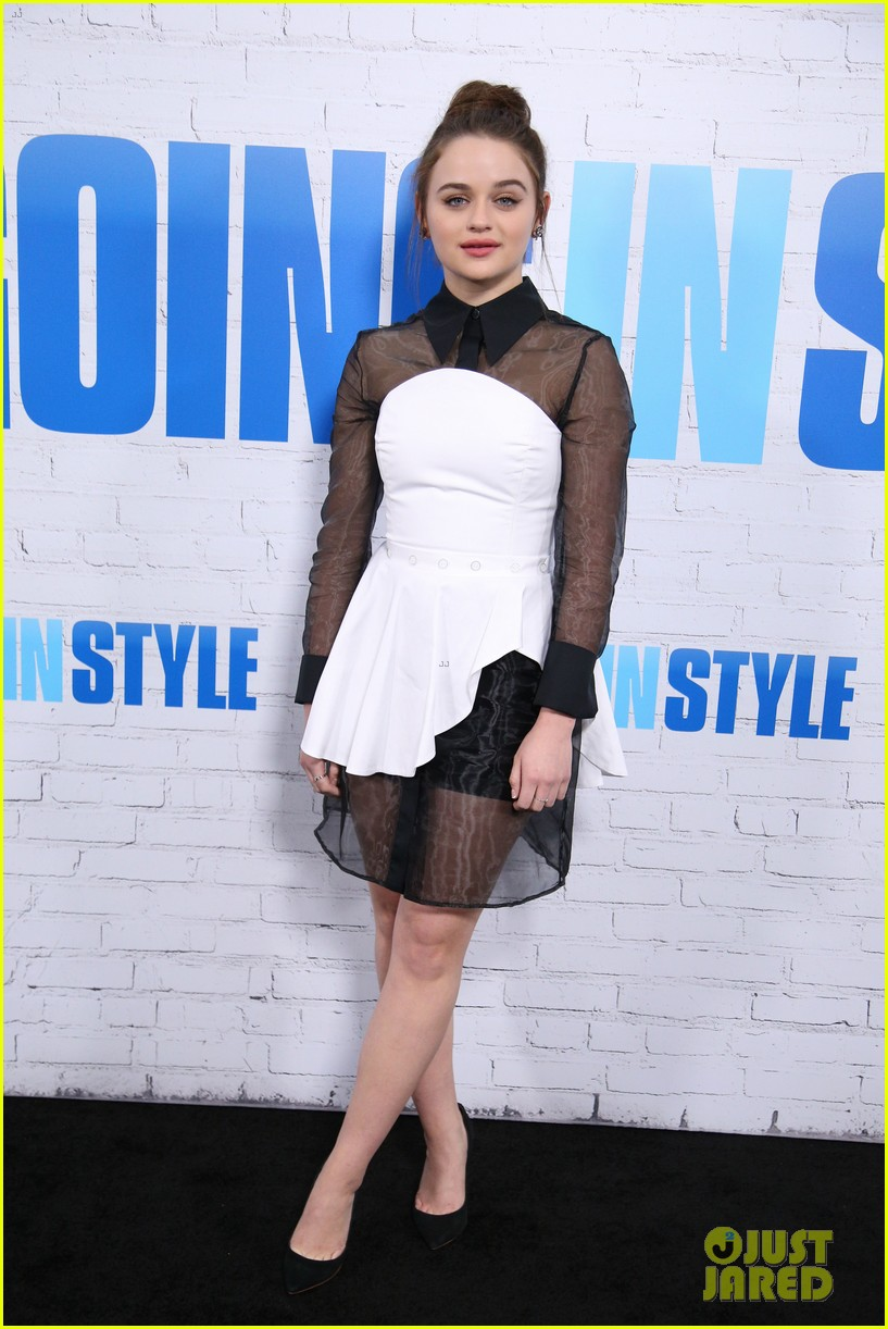 joey king going in style premiere 273880428