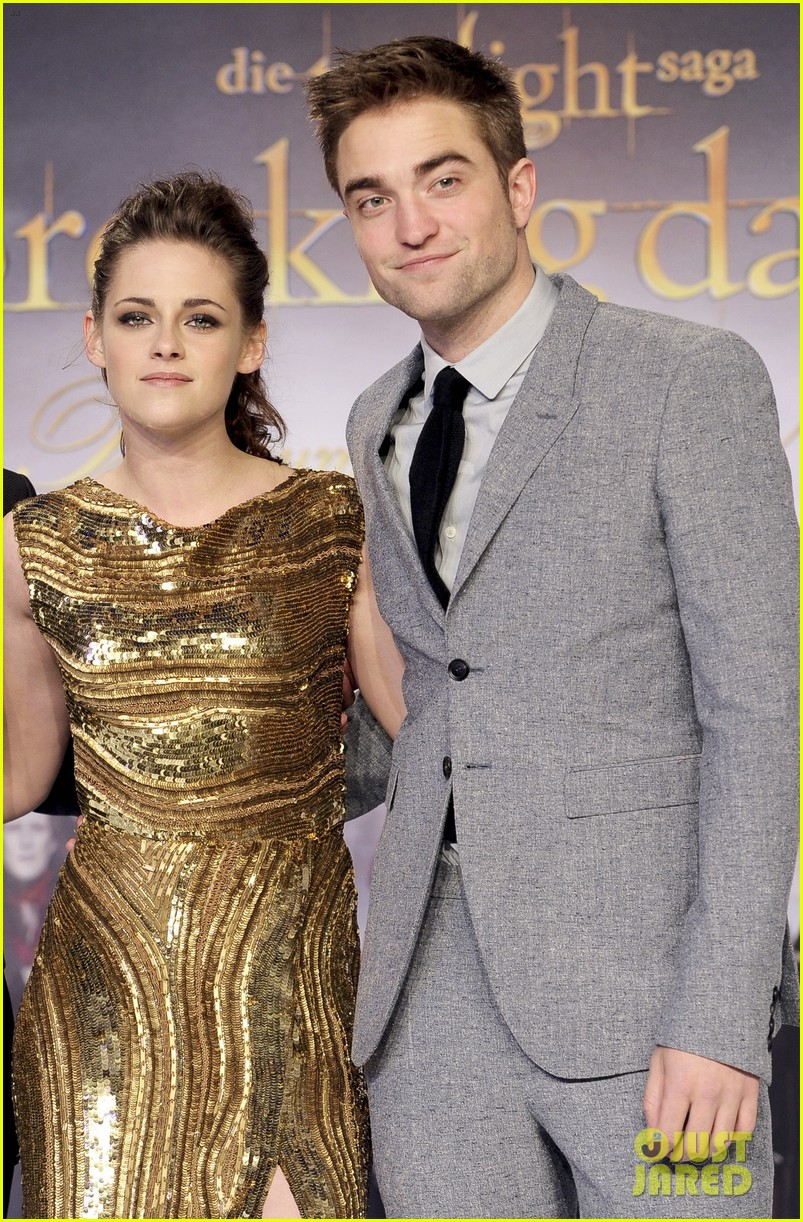 kristen stewart opens up about relationship with robert pattinson 083871005