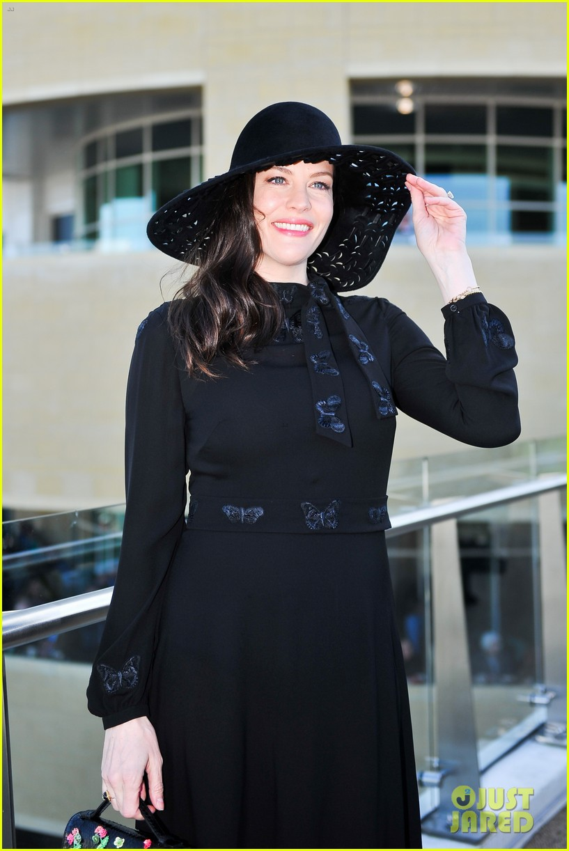 liv tyler finace dave gardner couple up at horse race 023874419