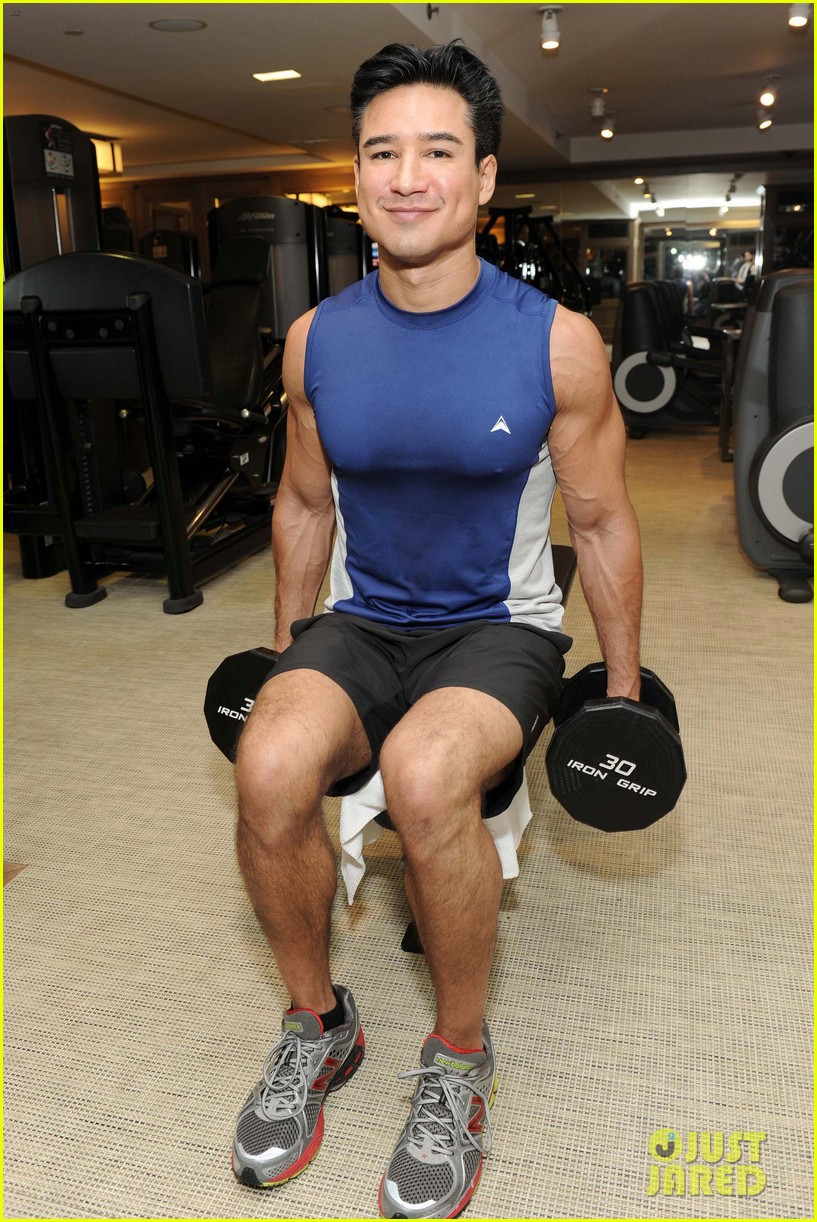 mario lopez puts his muscles to work in these new gym pics 013878373