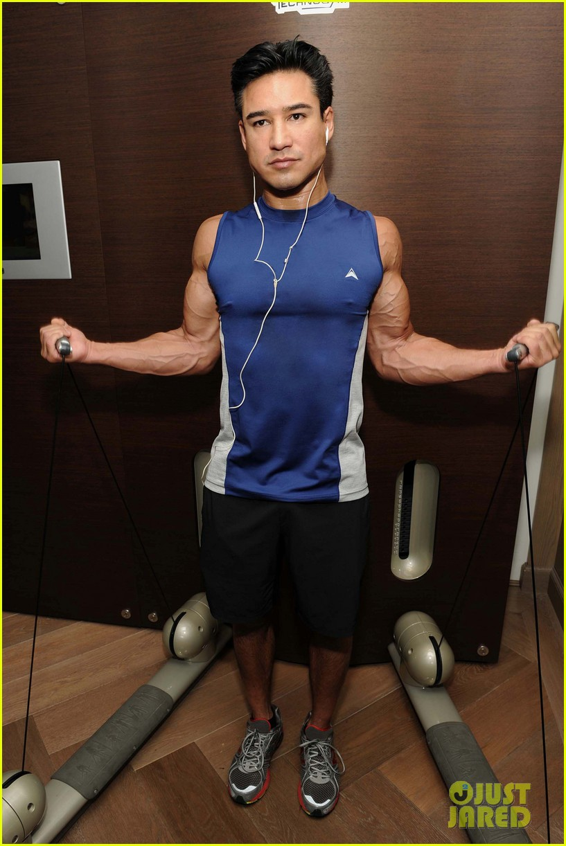 Mario Lopez Puts His Muscles To Work In These New Gym Pics