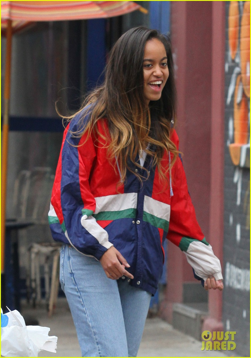 malia obama has fun with friends before heading back to work at harvey feirstein internship 033878726