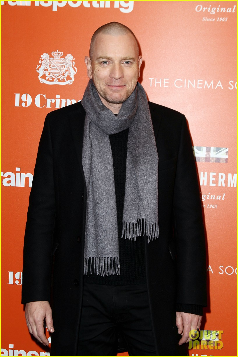 ewan mcgregor thinks women are better at dealing with aging 033874009