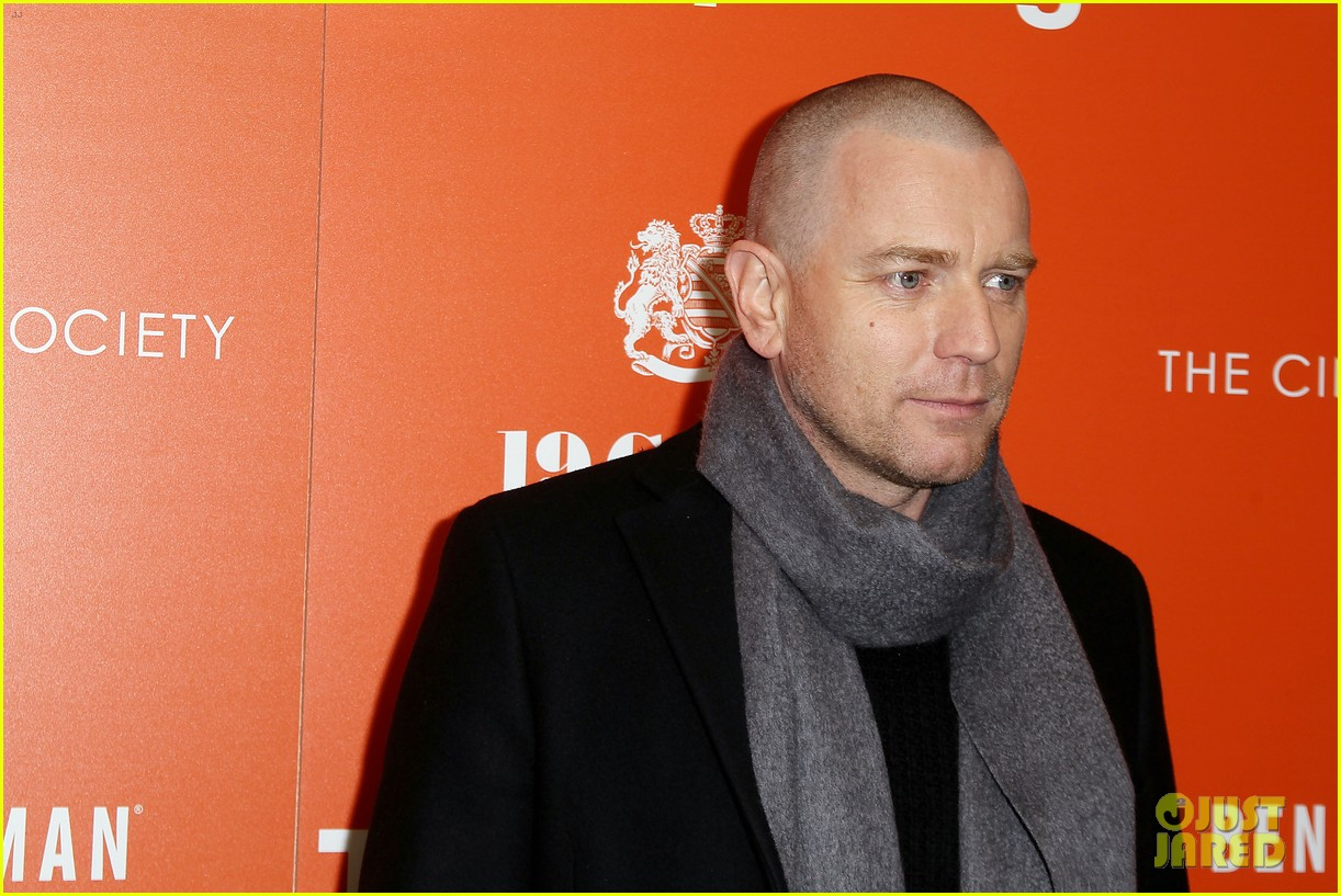 ewan mcgregor thinks women are better at dealing with aging 213874027